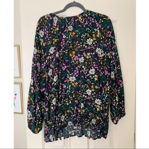 Old Navy Tops - Floral blouse size XXL
